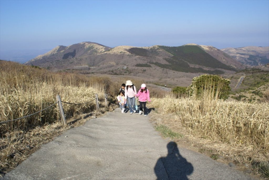 くじゅう登山 最初の坂