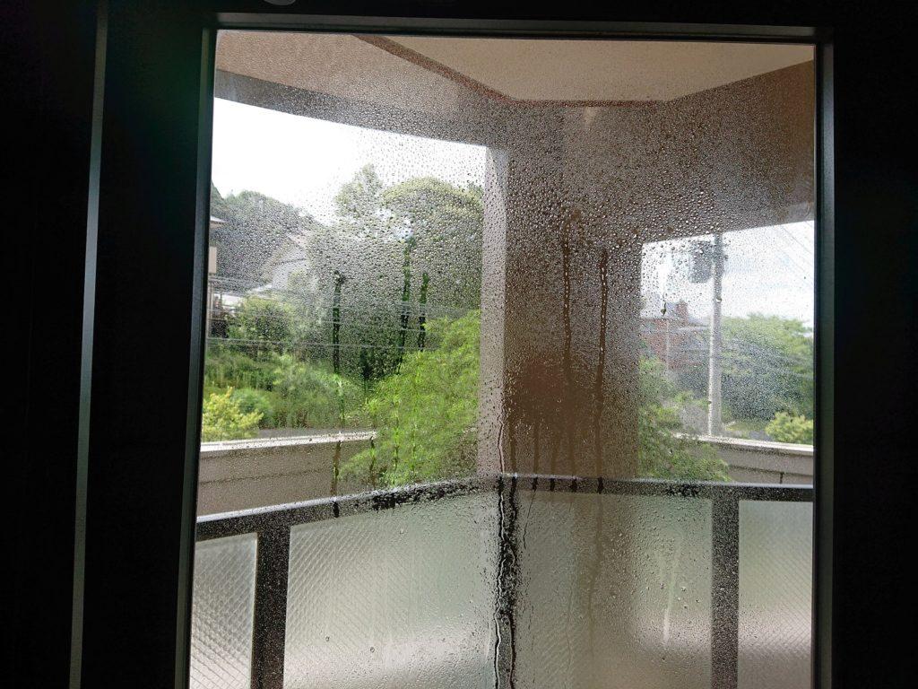 窓ガラスフィルム貼り